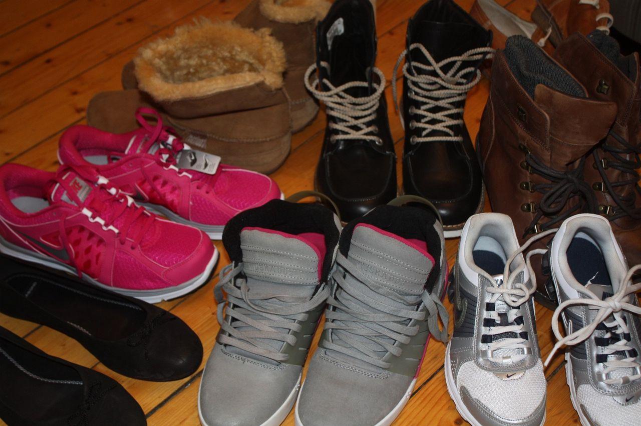 66 sko, støvletter og sandaler. Str 36 43. Mange merkesko