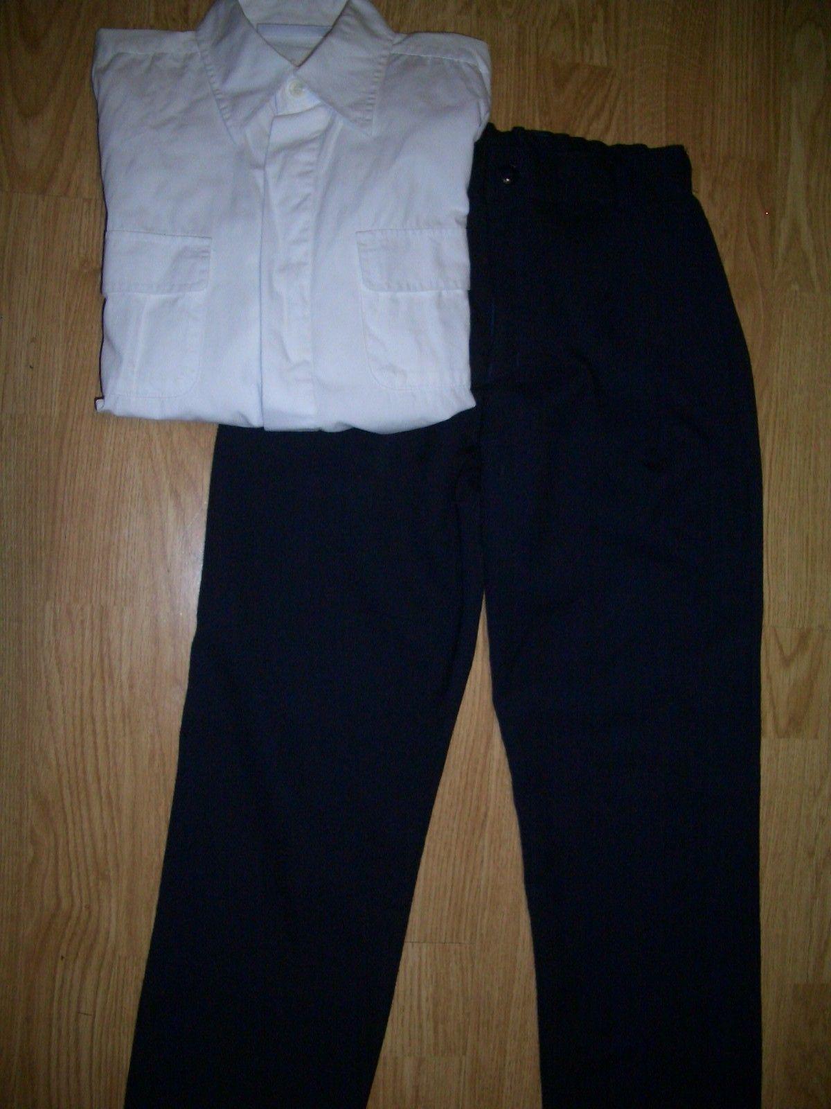 """Meget fin guttebukse og  hvit skjorte str 8 år selges billig kun 150 kr - Kleppestø  - """"Finbukse"""" og fin hvit skjorte str 8 år/128 selges billig kun 150 kr Buksen og skjorten er som nye. - Kleppestø"""