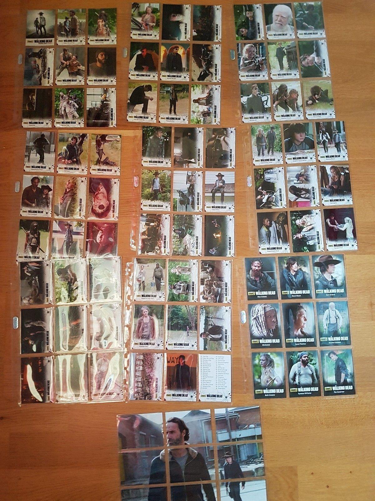 Walking dead trading cards season 4 part 1 - Stavern  - Walking dead trading cards season 4 part 1 Disse er pakket opp lagt rett i plast lommer/mapper de er i mint condison 72 Basic Set & 3 Chase Sets Mini Master 94 Cards Dette er da hele serien!!!!!! Kan også gjerne BYTTE i noe annet Walking Dead  - Stavern