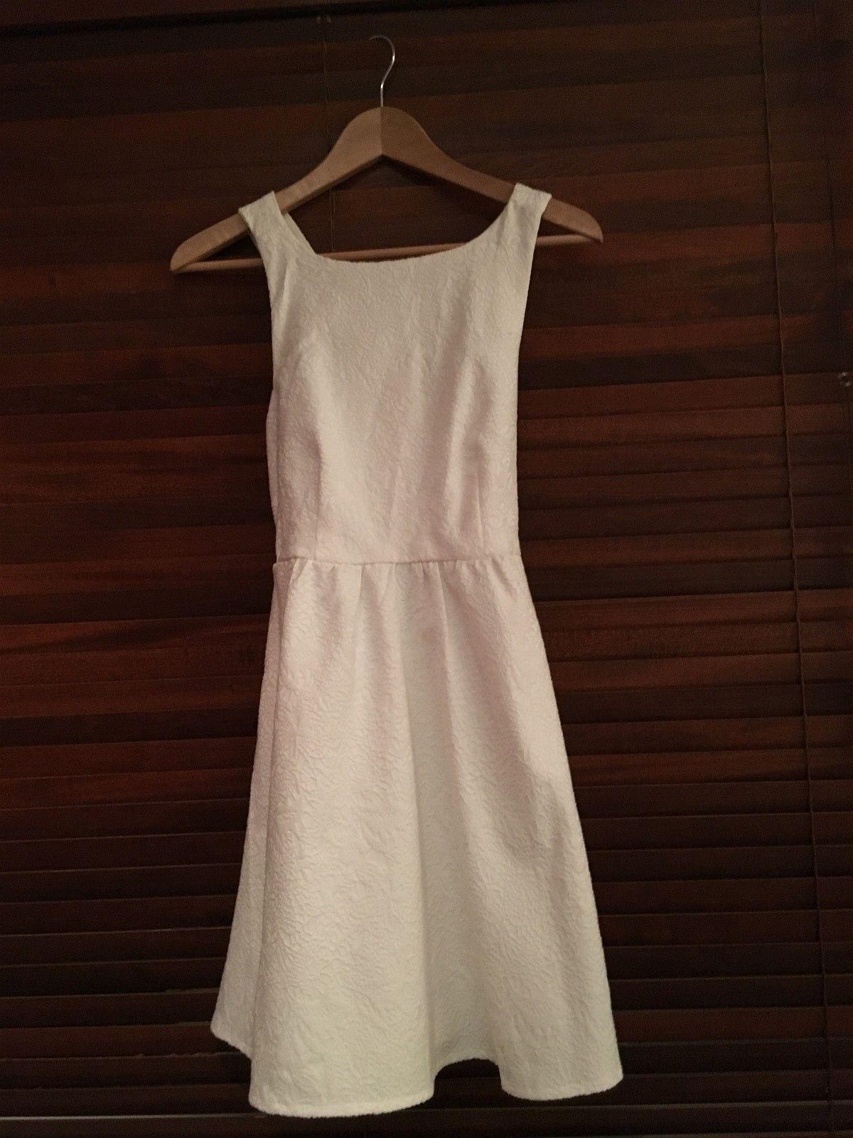 f5a57ba9 Pent brukte klær og Kjoler til jenter fra 12-14år | FINN.no