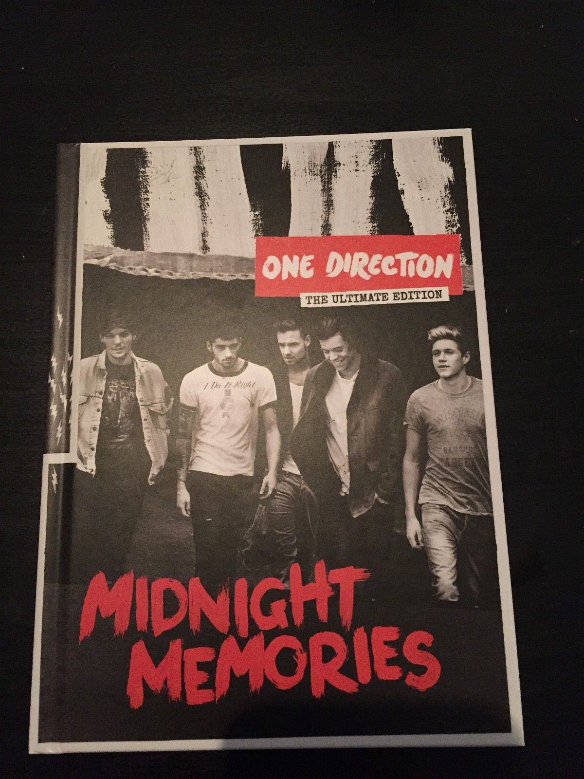 One direction bok med cd - Nærbø  - One direction the ultimate edition midnight memories bok med cd. - Nærbø