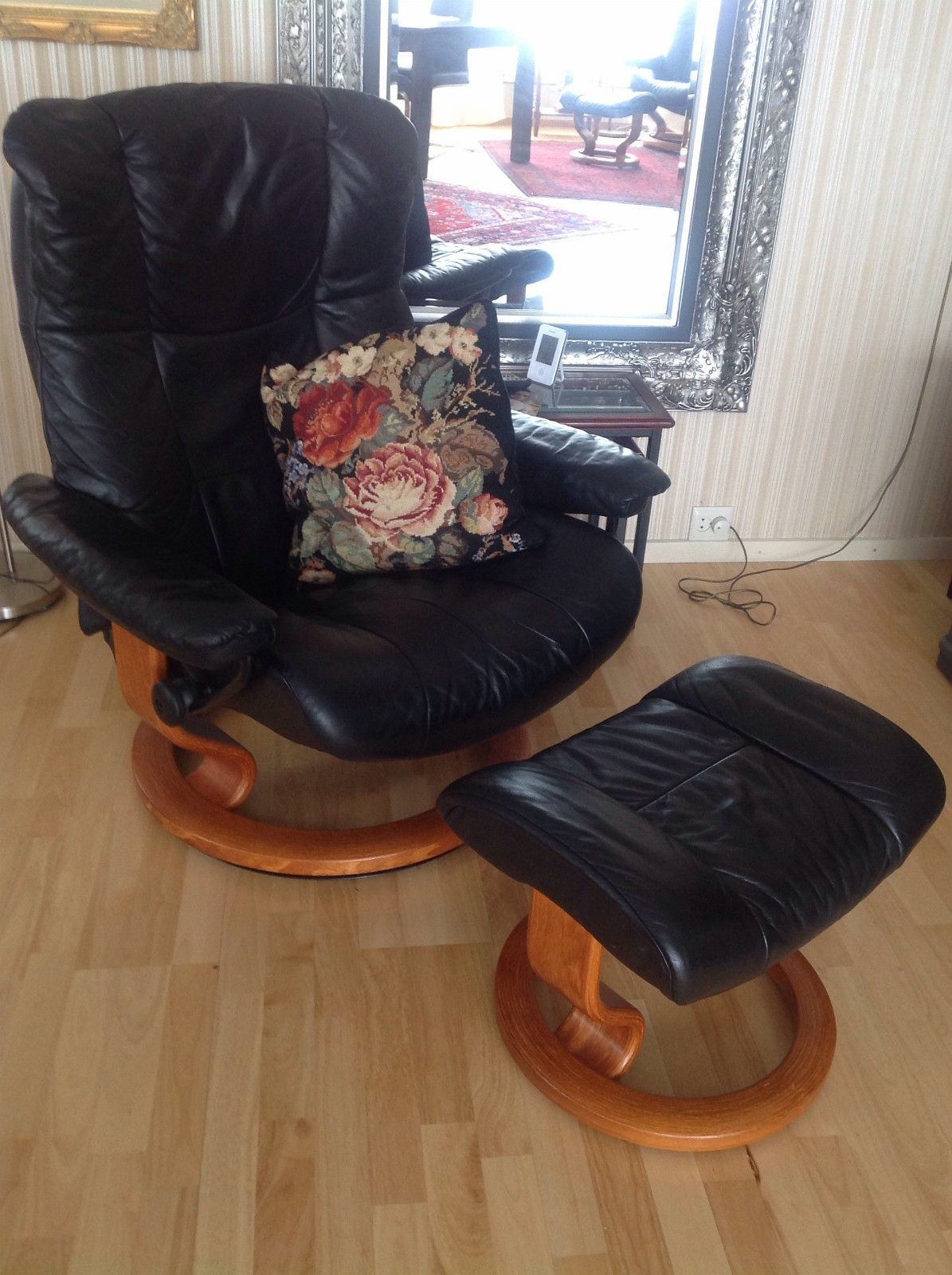 Solgt Hjellegjerde, Recliner stoler, 2stk. Ny pris ca. 20