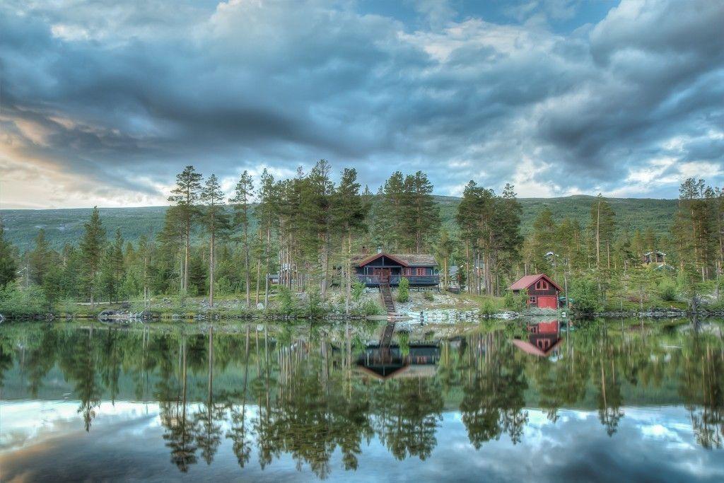 hytten fra vannet