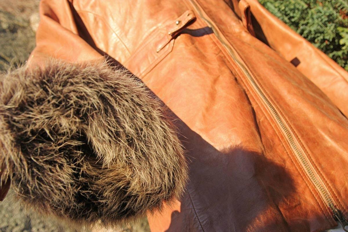d2327cfd Tøff skinnjakke med pels på erme og avtagbar pelskrage. (1/8). Galleribilde