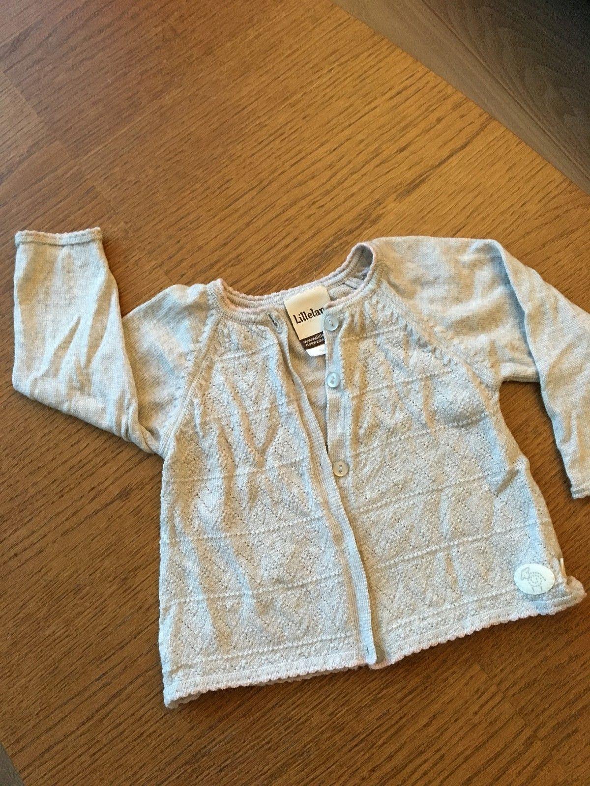 Lille lam ulljakke str 74 - Oslo  - Nydelig Lille lam ulljakke i tynn merino-ull. Lys grå med rosa kant. Ingen slitasje eller flekker. - Oslo