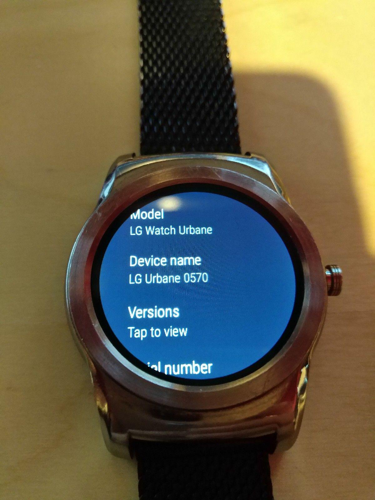 LG G WATCH URBANE 0570  1400,- - Sandnes  - LG G WATCH URBANE  kjøpte den før 2 år siden for 3500,-  Spesifikasjoner: LG Watch Urbane Skjerm: 1,3 tommer OLED, 320 x 320 piksler Batteri: 410 mAh Prosessor: 1,2 GHz Snapdragon 400 RAM:  - Sandnes