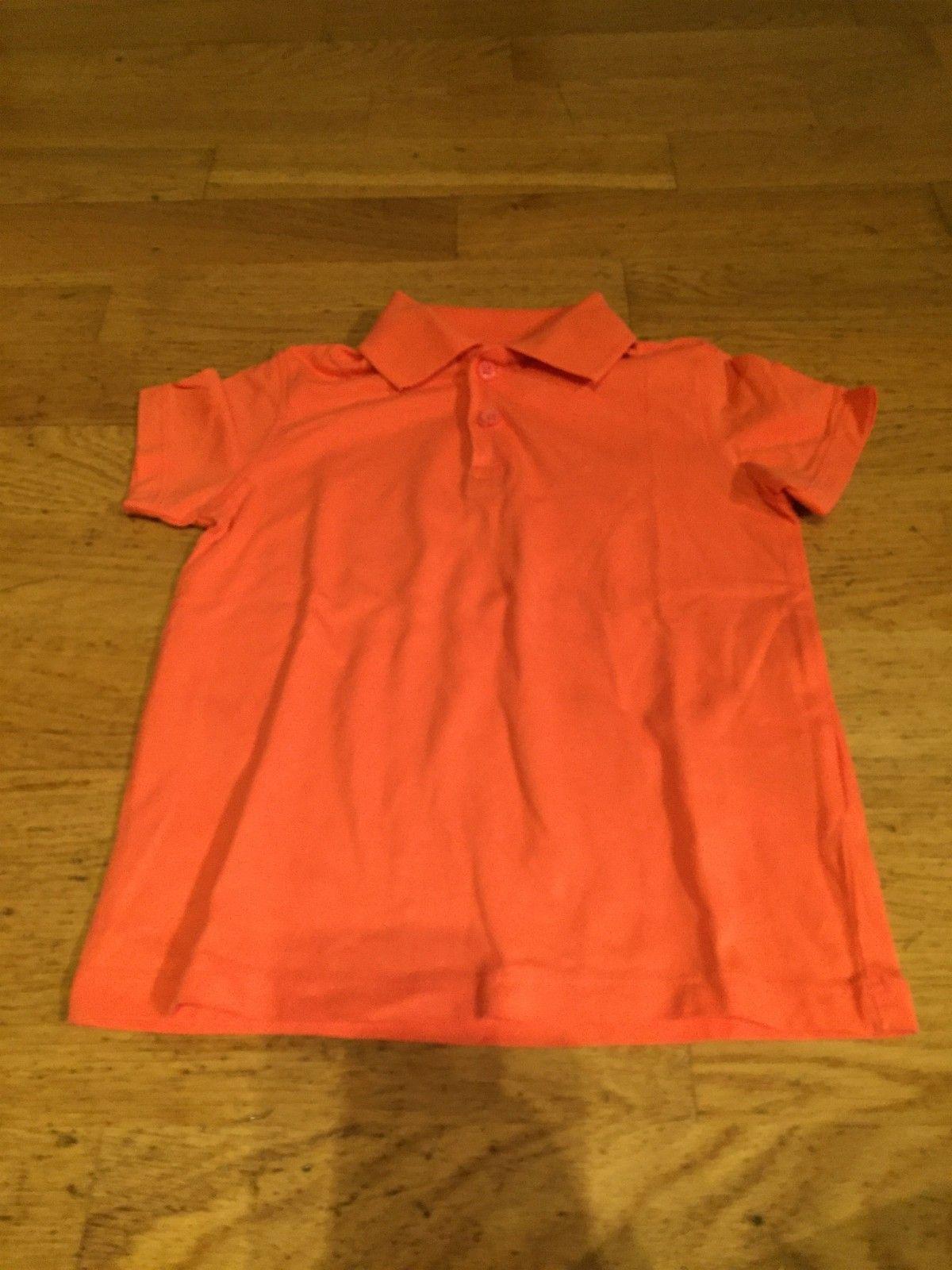 Diverse Klær - Oslo  - Diverse klær til diverse priser. Pris kan diskuteres.   Alle t-skjorter til 30 kr per stk  Jakkene 150kr per stk bukse til 30 kr - Oslo