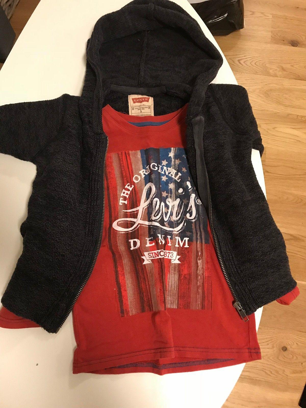 Levis sett - Hafrsfjord  - Levis hoodie/jakke i grovstrikk så den er god og lun + Levis genser genser i bomull  Selges samlet til 100kr - Hafrsfjord