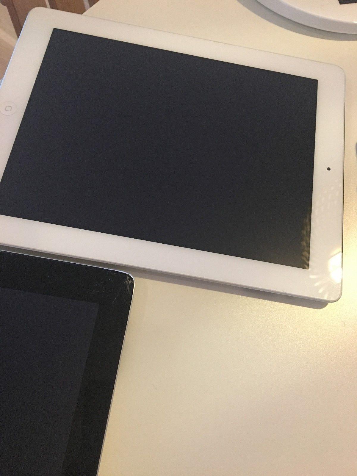 Ipad - ålesund  - iPad 4 32 G hel og uskadd selges hbo. 1500,-og iPad 2 16 G med knust skjerm i ene hjørnet selges hbo. 800,- - ålesund