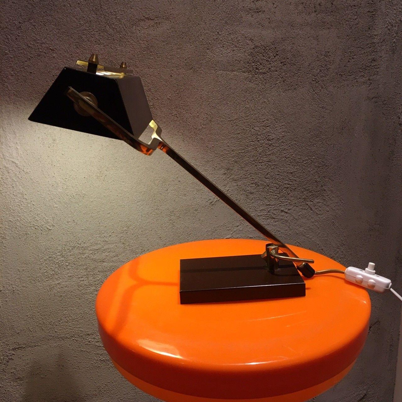 retro - vintage bordlampe / skrivebordslampe / pianolampe - Lørenskog  - retro - vintage bordlampe / skrivebordslampe selges. Produsert i Skandinavia på 1950 eller 1960-tallet.  Kan også brukes som pianolampe  Perfekt til retro interiør sammen med f.eks. tidstypiske møbler i teak og palisander.&#1 - Lørenskog