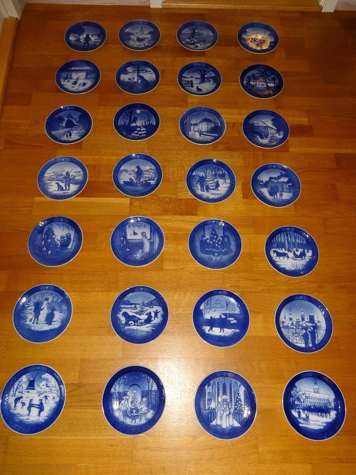 28 stk juleplatter Royal Copenhagen 1965-1992 - Rykkinn  - 28 stk juleplatter Royal Copenhagen 1965-1992 selges samlet for kr. 1.800,-  Evt. kr. 75,- pr. stk - Rykkinn