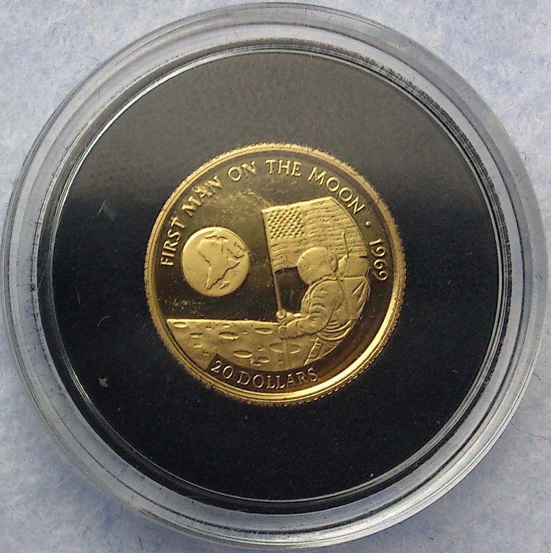 1995, First man on the moon, 1969, gull - Krokkleiva  - 1995 Cook Islands, 1/25 oz, 999 gull. Proof mynt i kapsel. Selges kr 575,- + porto, (skam-bud er unødvendig).  Vennligst ikke ring, send sms, pga sykdom. - Krokkleiva