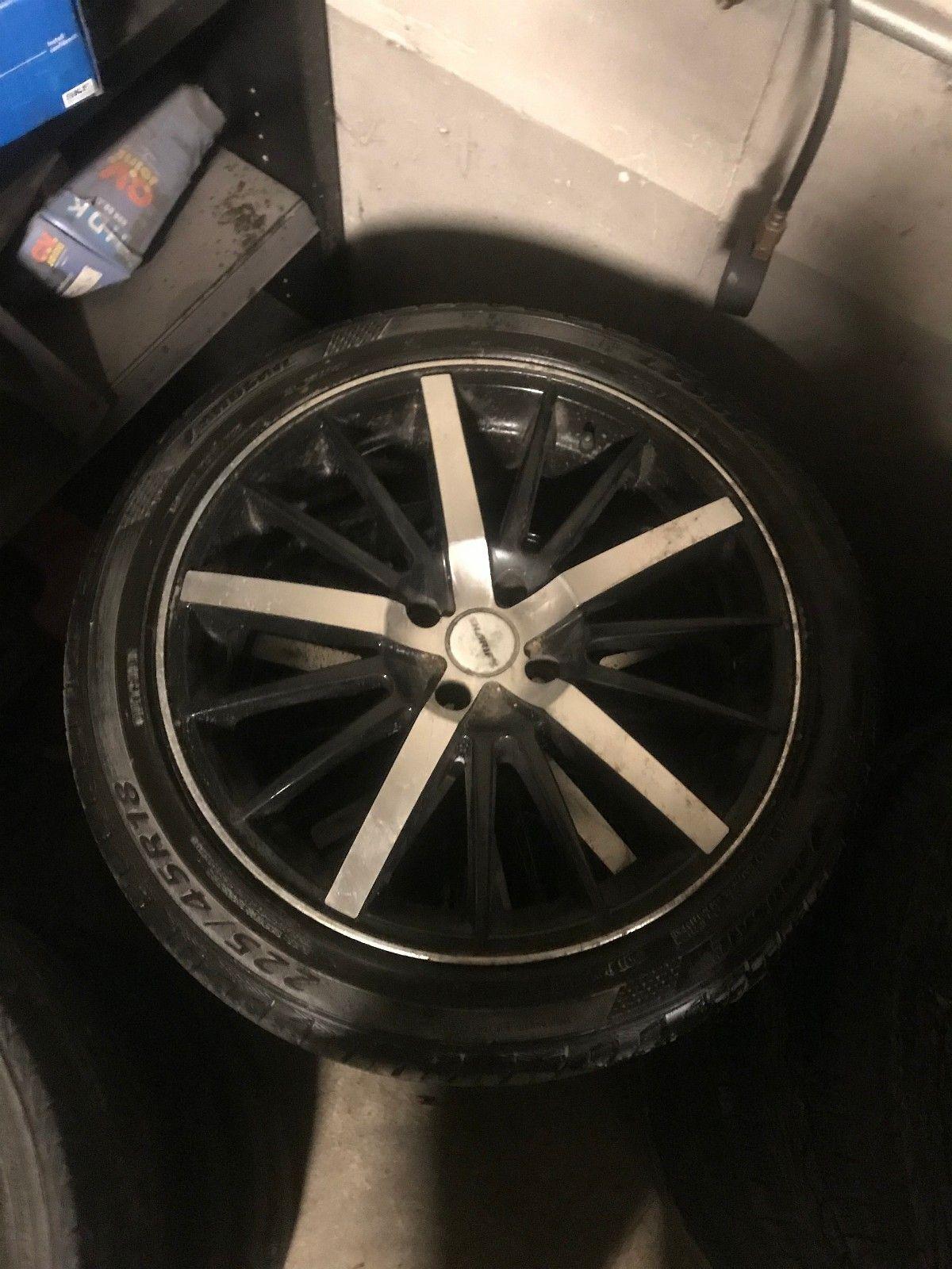 18 tommers felger med dekk 225/45/18 4x108 - Hunndalen  - 18 tommers felger Med dekk selges 225/45/18  Hjulene har sittet på en Citröen berlingo/Peugeot partner. De hjulene gir ett tøft utseende  Og sitter som klister på veien.   Boltsirkel : 4x108 & - Hunndalen