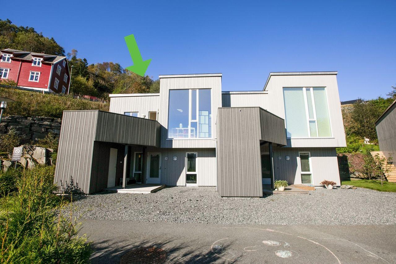 Sædalen - Lekkert rekkehus fra 2012. Barnevennlig beliggenhet og kort vei til skole og barnehage.