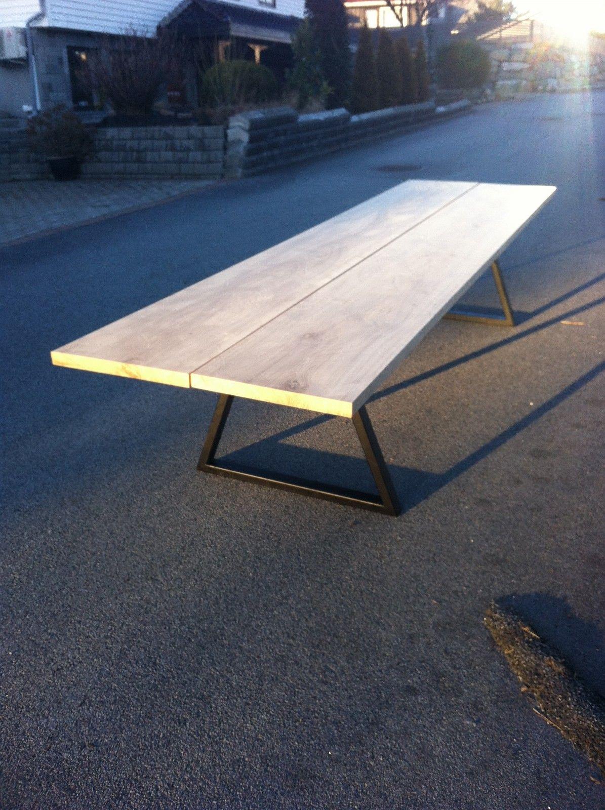 Kraftig spisebord. | FINN.no