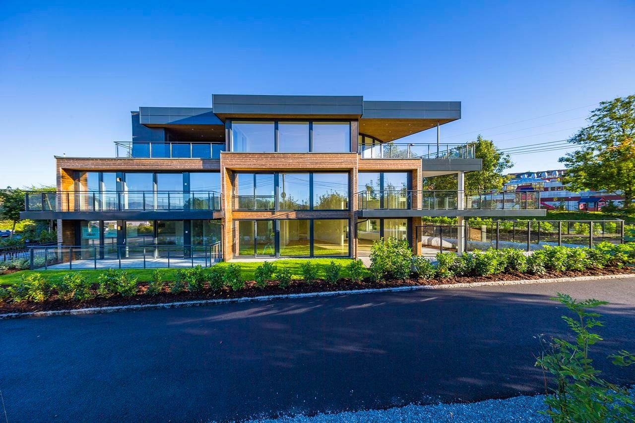 NY PRIS - Flott,  moderne og stor 3-roms eierleilighet i nytt bygg på Nordås med 2 garasjeplasser og heis