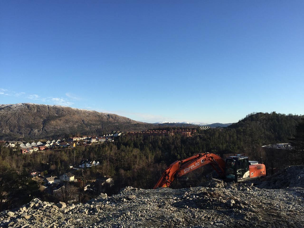Fantastisk utsikt i Sædalen! ARBEIDENE ER I GANG! Kun 3 hus igjen! To garasjeplasser til enkelte rekkehus!
