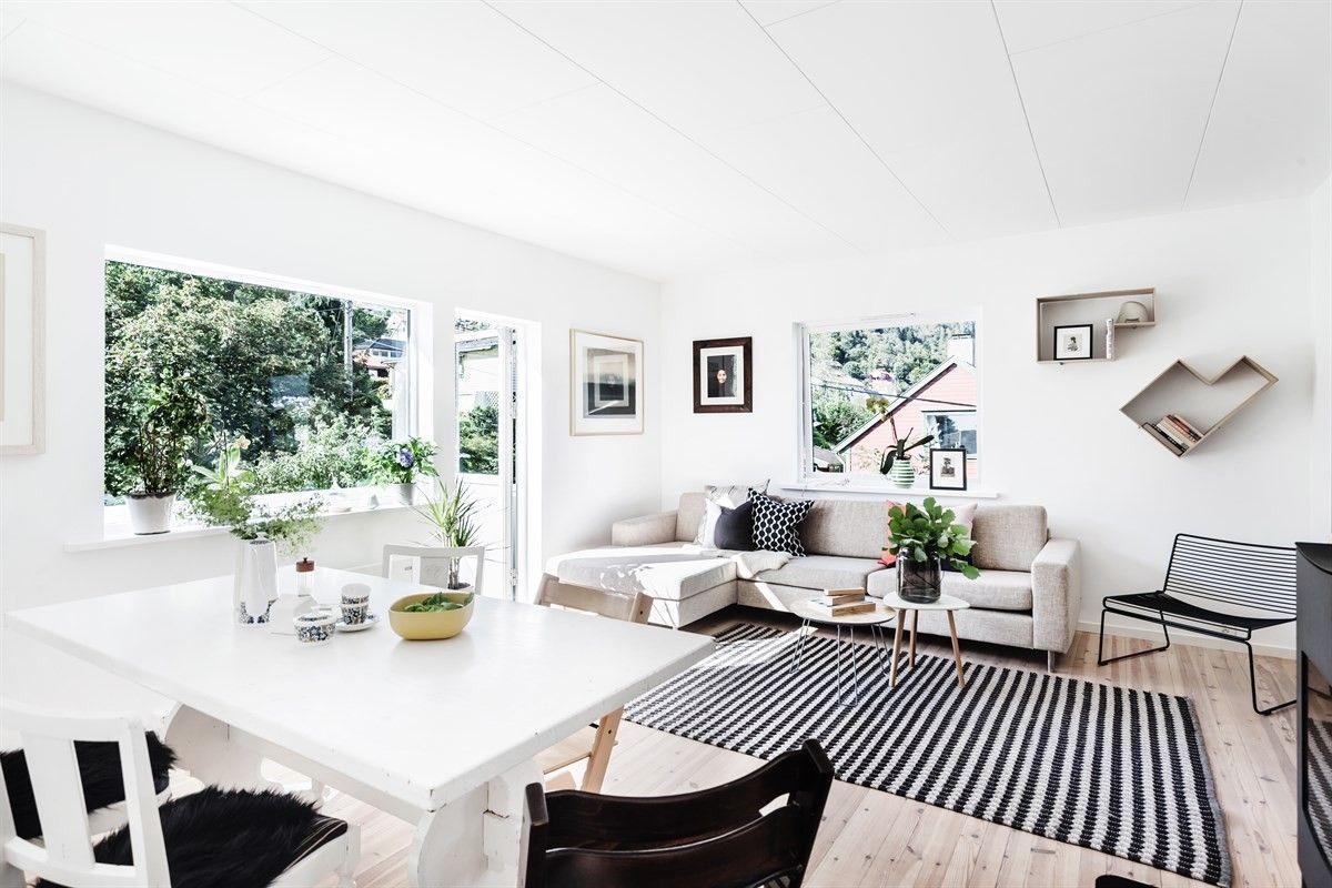 Lekker 3(4)- roms leilighet med stilrene detaljer, egen terrasse, felles hage og nærhet til sentrum!