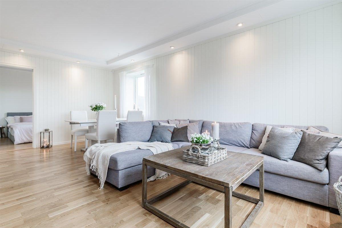 Fyllingsdalen/Varden - Strøken leilighet med 3 soverom. Vestvendt terrasse med gode sol og utsiktsforhold! Lave omkostninger med kjøp.