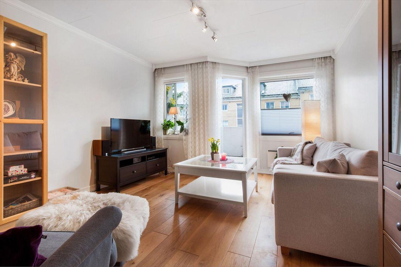 Landås - Sentralt beliggende 2-roms leilighet med gode kvaliteter!Solrik altan og kort sykkelavstand til sentrum.