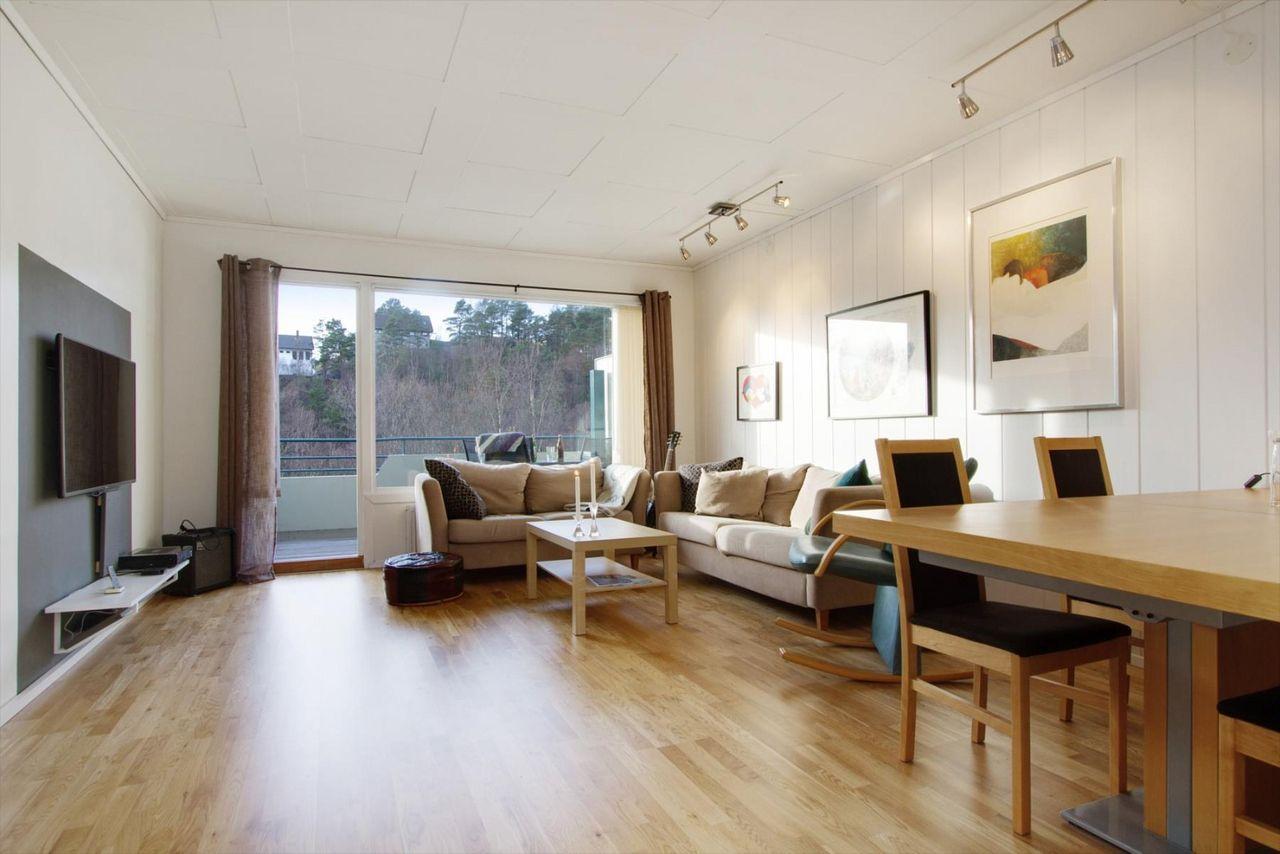 Fyllingsdalen - 4-roms toppleilighet med gode kvaliteter.Oppvarming og varmtvann ink i husleien.