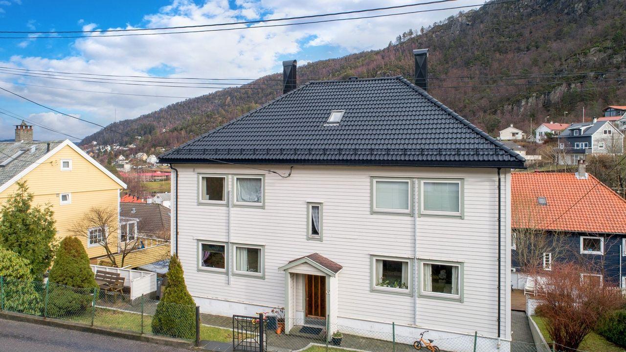 Laksevåg - Flott 3-roms leilighet med balkong. Fin utsikt. Sentralt område.