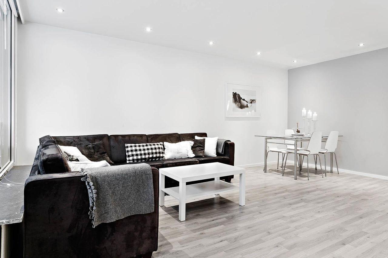Flott 3-roms leilighet med innglasset altan sentralt i Loddefjord