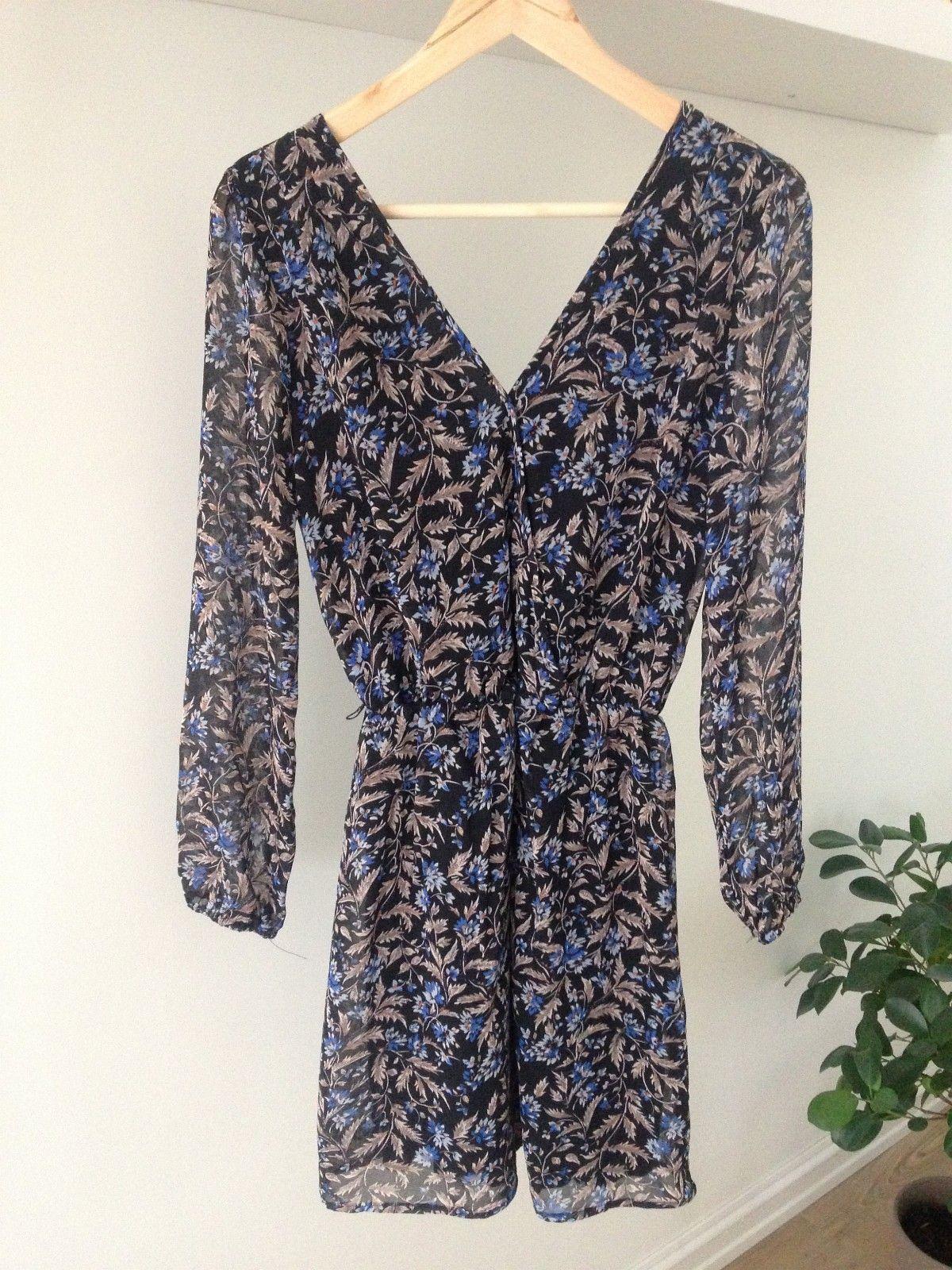 bbde1a6f Blomstrete kjole fra Bik Bok i str. XS | FINN.no