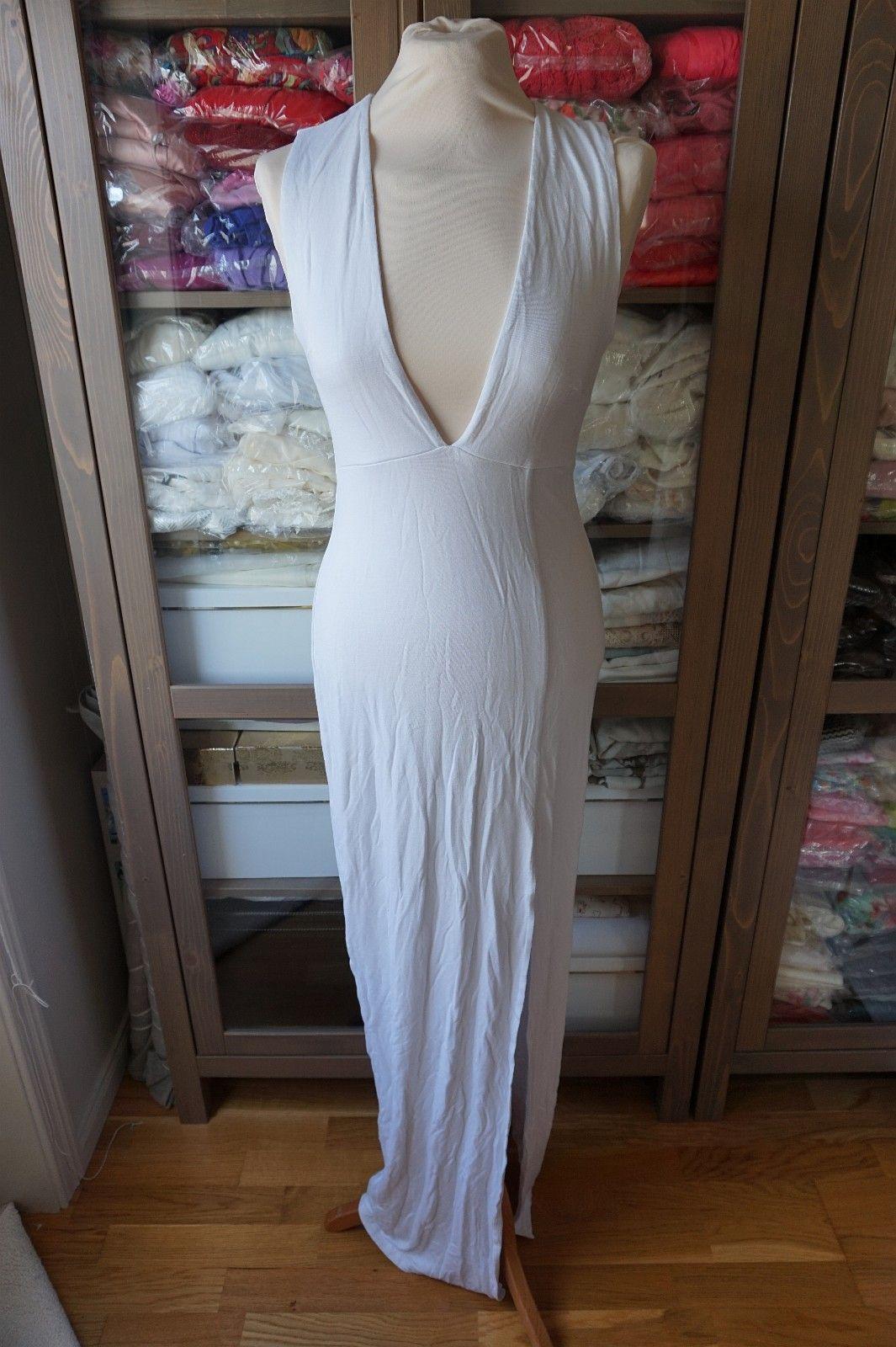 1f57bc90 Hvit kjole, dyp utringning, str 38, ubrukt | FINN.no