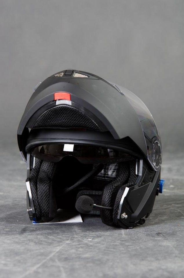 Helt nya V270 Bluetooth Stero Blank og MATT MC Hjelm   FINN.no SA-84