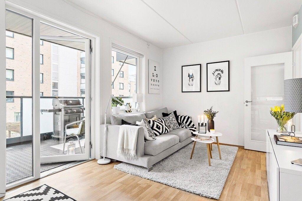 Sofa fra SiTs selges - Drammen  - Fin sofa selges med tungt hjerte, da den dessverre ikke får plass i nytt hjem.  Sofa er kjøpt ny i 2015, brukt i 1,5 år. Sofaen fremstår som fin å se på og veldig behagelig.   Trekket til putene kan vaskes i maskin. &#1 - Drammen