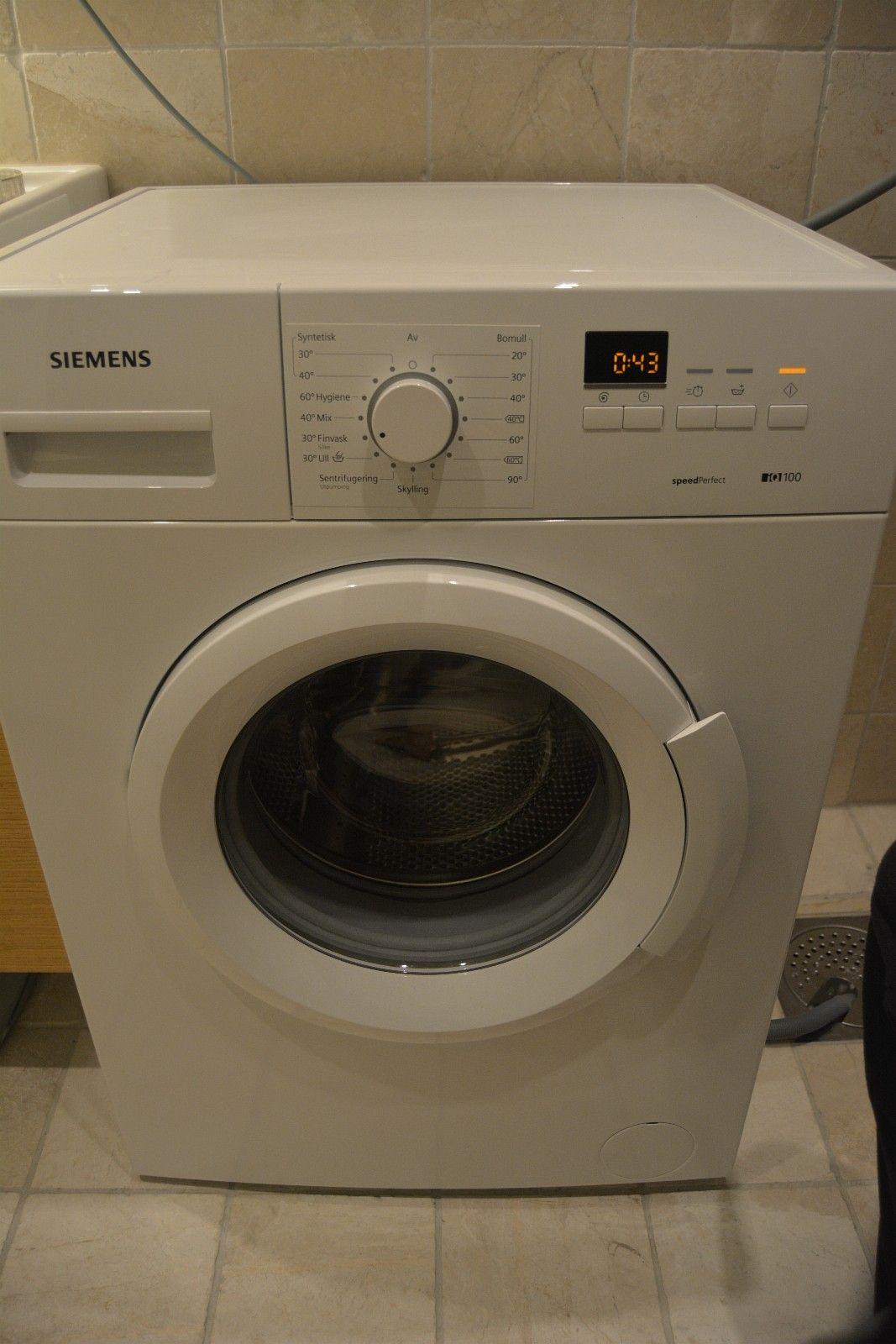 Siemens iq100 vaskemaskin - fremstår som ny - kjøpt ny i juli 2016 - Bergen  - Siemens vaskemaskin som ble kjøpt ny i juli 2016 selges grunnet flytting. Maskinen har vært svært lite brukt og fremstår som ny.   Nypris er 3695.- : https://www.elkjop.no/product/hvitevarer/vaskemaskin/WM12B166DN/siemens-vaskemaskin - Bergen
