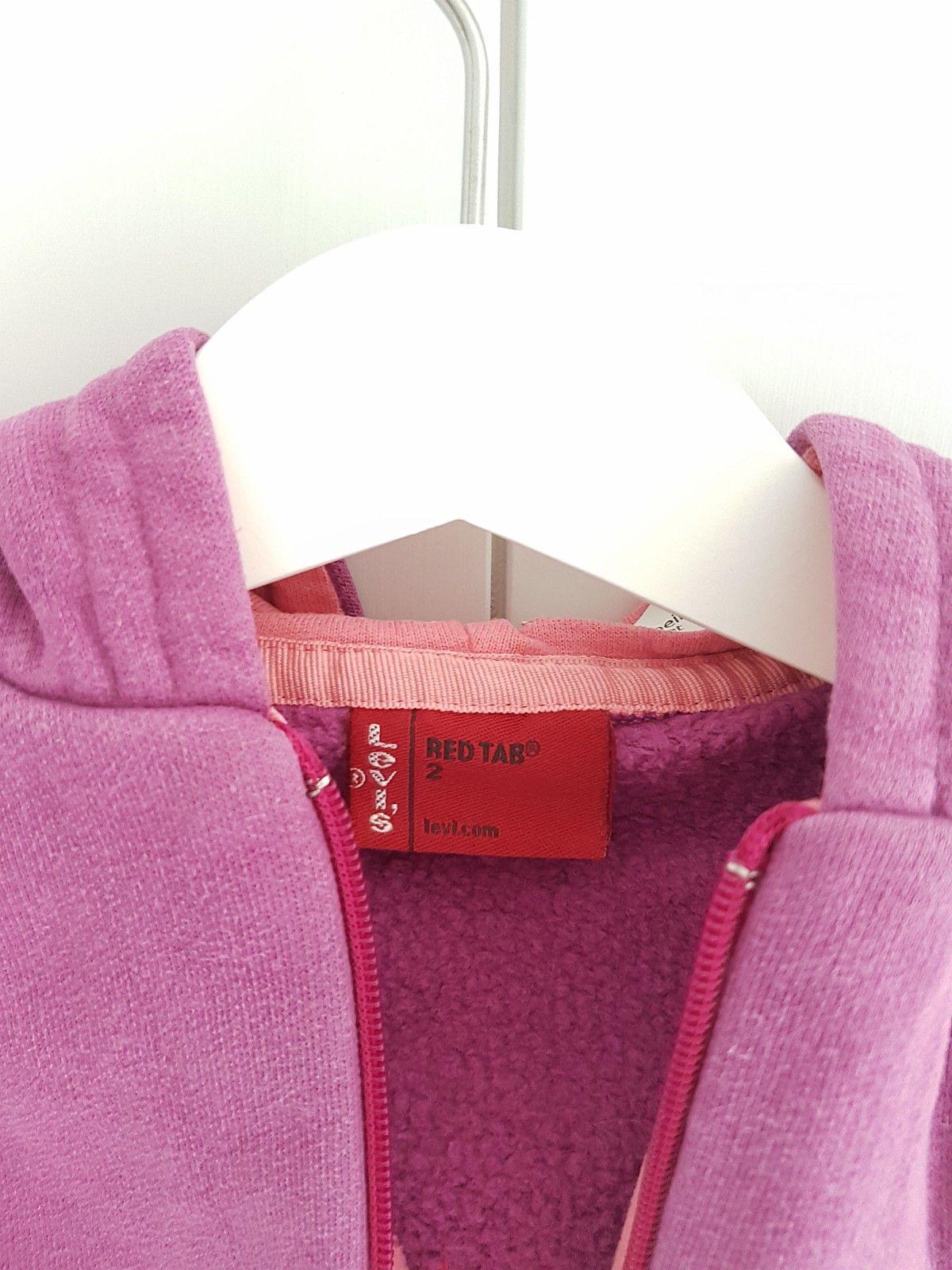 Levis genser str 2 år - Lier  - Levis red tab genser str 2 år med lekkert Levis design på ryggen. Tykk, god og pen genser i Levis kvalitet. Kan sendes. - Lier
