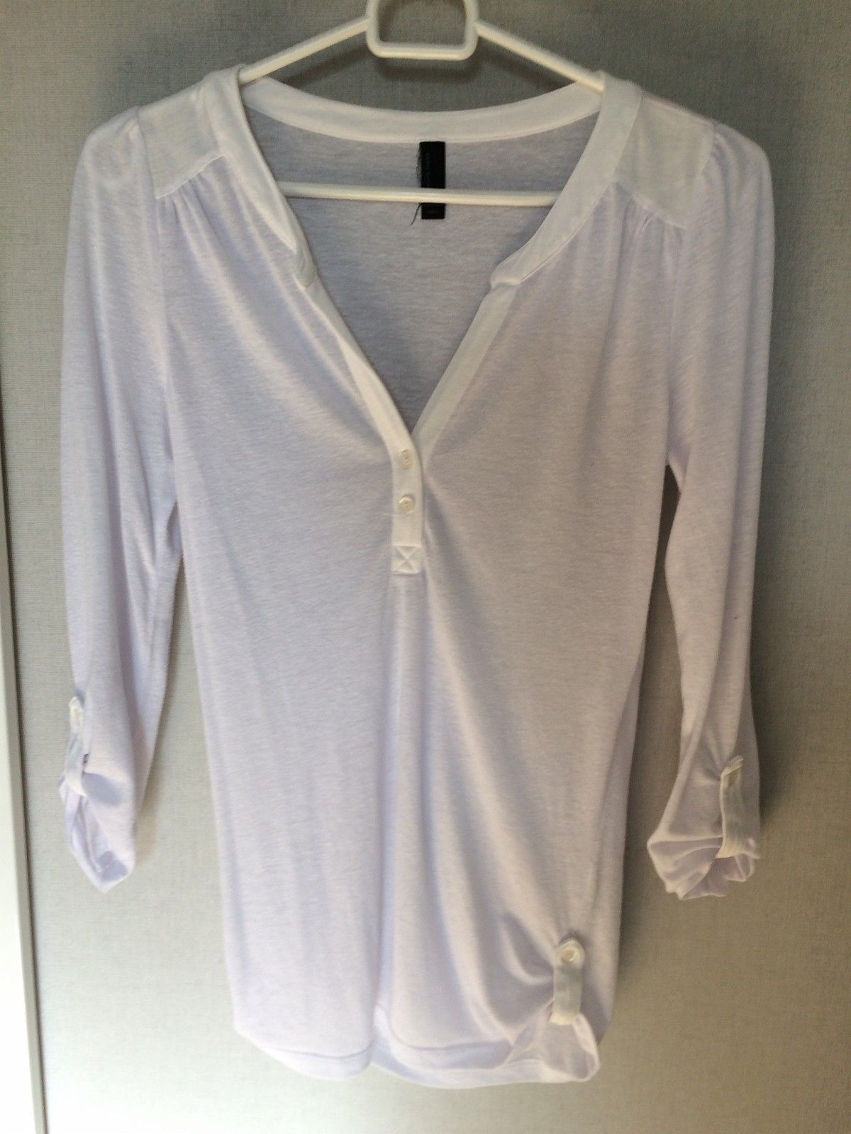 Shirt from Vera moda size xs - Stavanger  - Shirt from Vera moda size xs  We can discuss about price. I will move end of year, hence I try to sell all things what I not longer need. If you like more peace of mine- we can discuss about addition discount. - Stavanger
