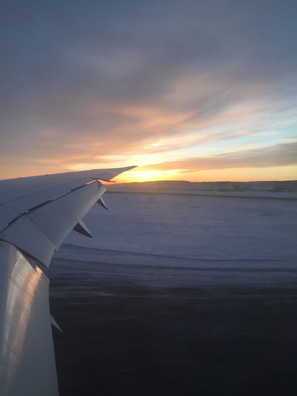 Berlin Schonefeldt - OSlo 23.01.2018(Norwegian) - Ski  - 1 ticket flying with Norwegian from Berlin to Oslo on Tuesday 23.01.2018 leaving at 09.50 in the morning arriving at 11.30 in Oslo :) 