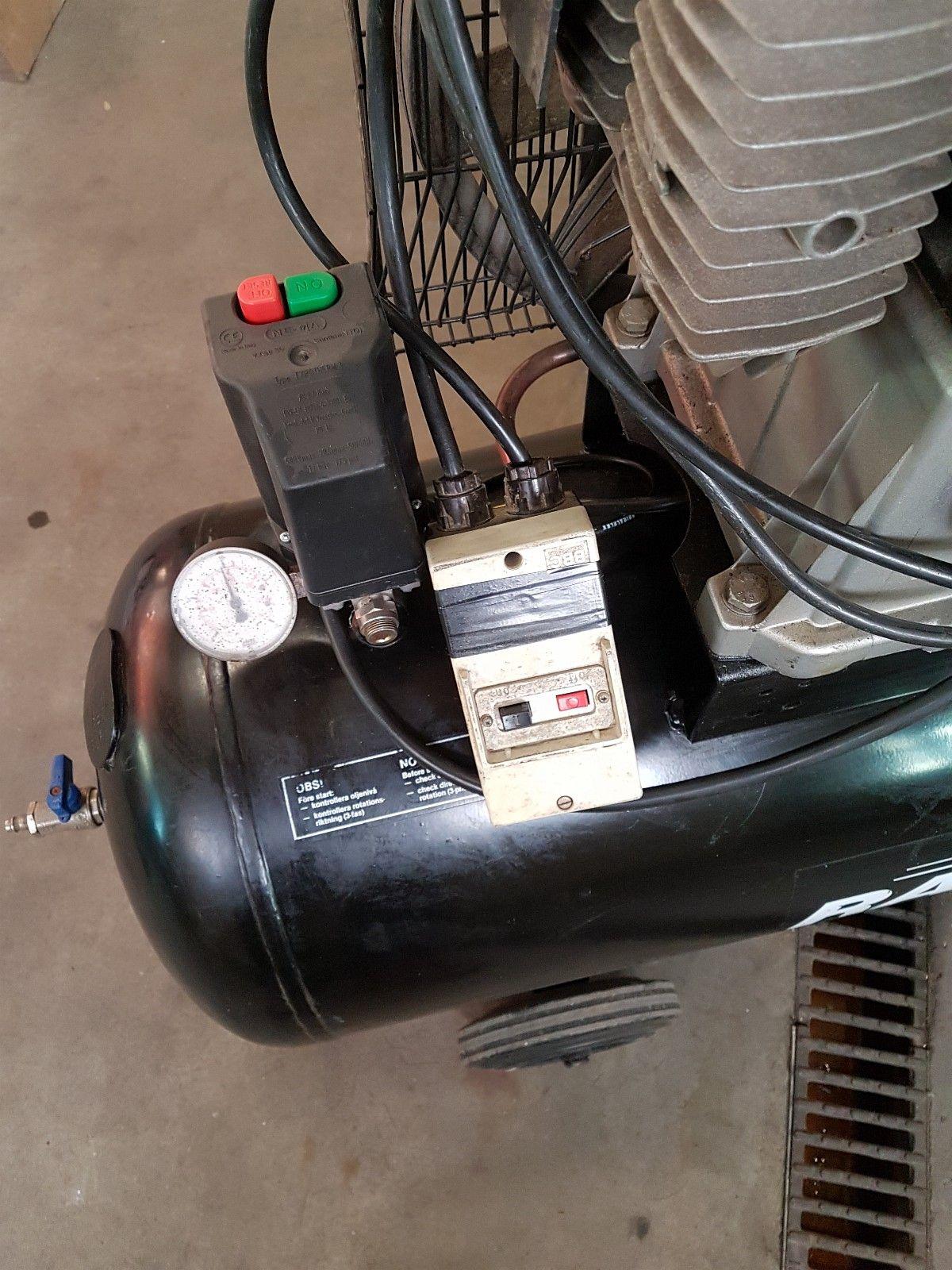 Race 200L Kompressor - Bryne  - Race 200L Kompressor i god stand. Selges pga endret behov. Har tidligere hatt denne stående for utlån i forbindelse med reparasjon og service av kunde kompressorer. Denne har påmontert motorvern og fjernstart automatikk slik at den kan for ek - Bryne