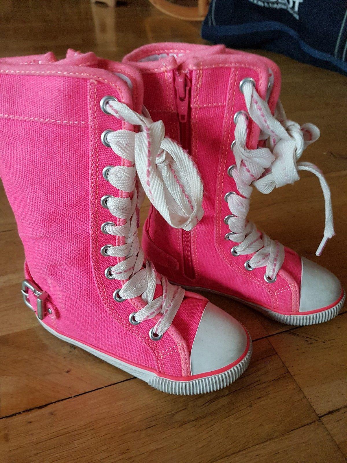 8313554fb69 NEXT vakre høye sneakers STR 24 | FINN.no