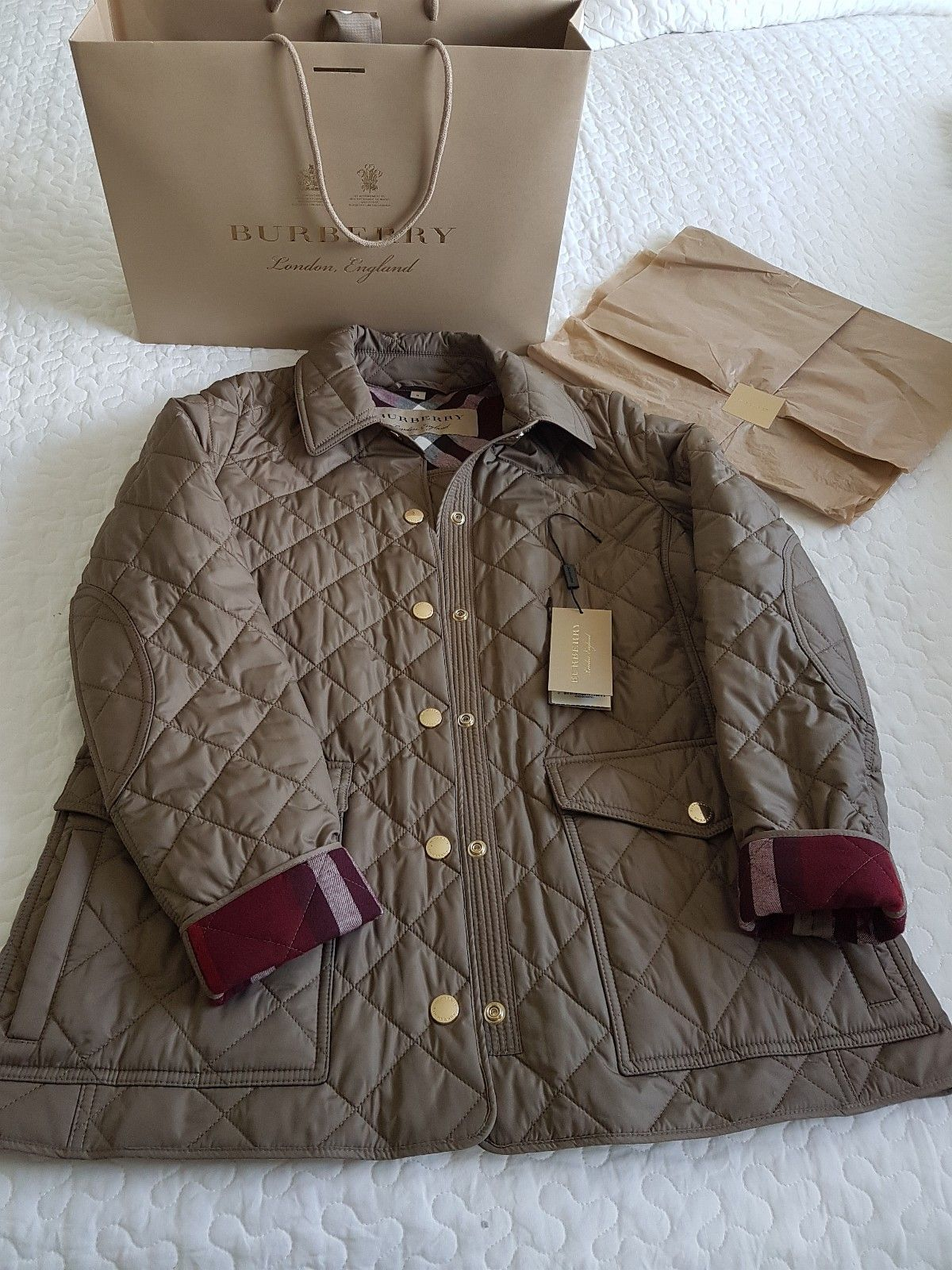 396172ba Burberry jakke selges billig. | FINN.no