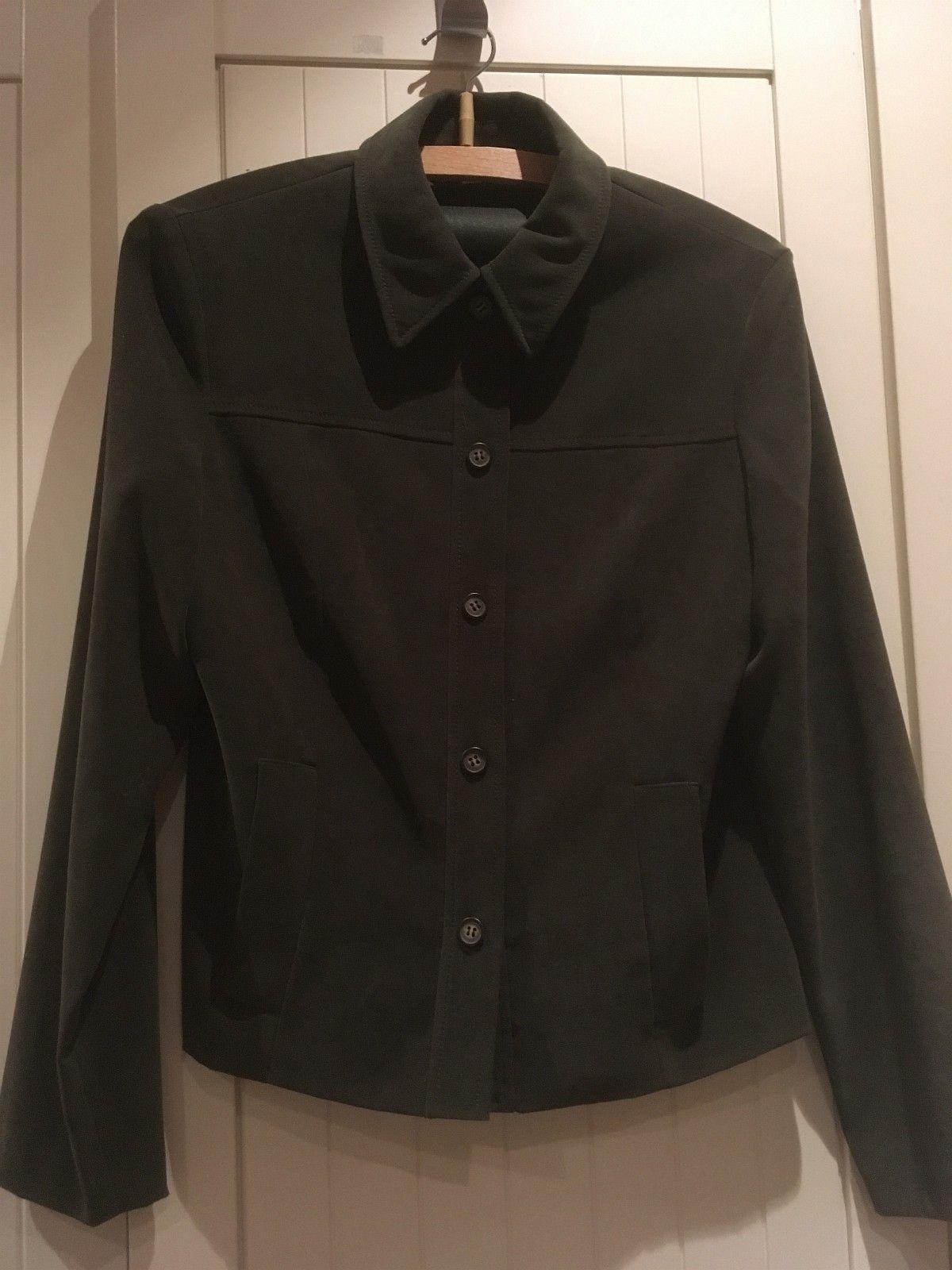 Pen jakker - Dokka  - Pen jakker til salgs. Str S/M ( se detaljer ved bilder ). 100kr per stk. Kan sendes mot porto. - Dokka