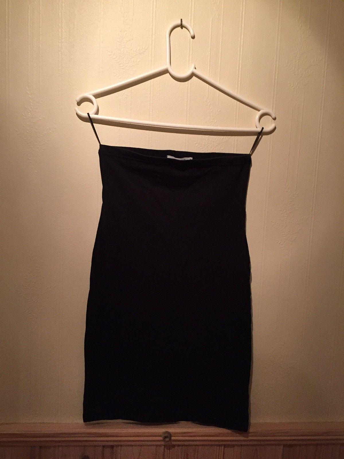 61c8db88 Kjole fra Gina tricot   FINN.no