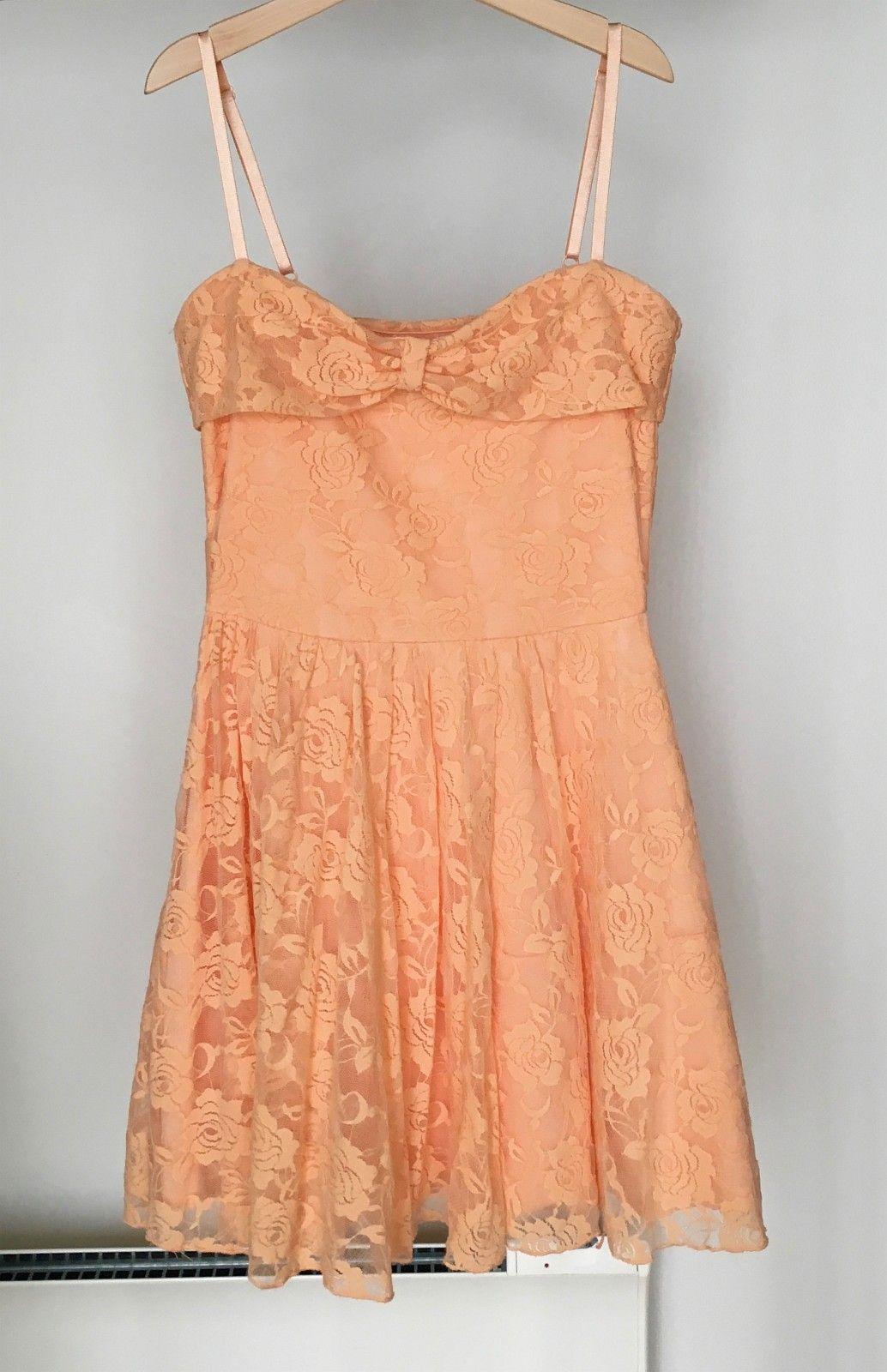 eb955f52 Pent brukt kjole til jente i str. S selges 150,-kr | FINN.no