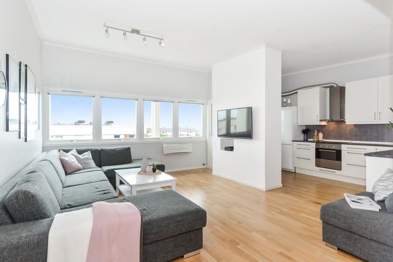 Haugesund - HemmingstadTiltalende 4-roms brl-leilighet i 4.etg. - Vestvendt balkong bilde