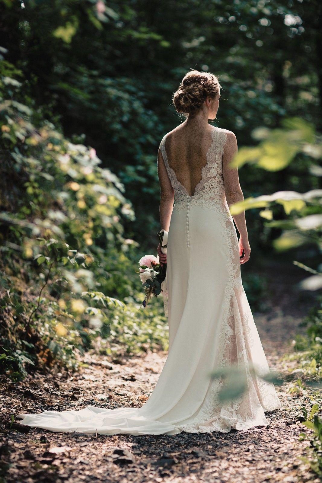 bf4f4ca7 Elegant brudekjole fra St. Patrick med vakre detaljer | FINN.no