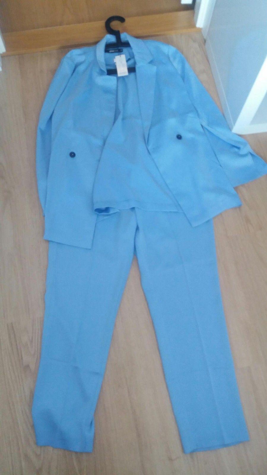 Dress fra Gina Tricot - Vikersund - Silkemykt sett med blazer og dressbukse  fra Gina Tricot 3d203e94ab4b1