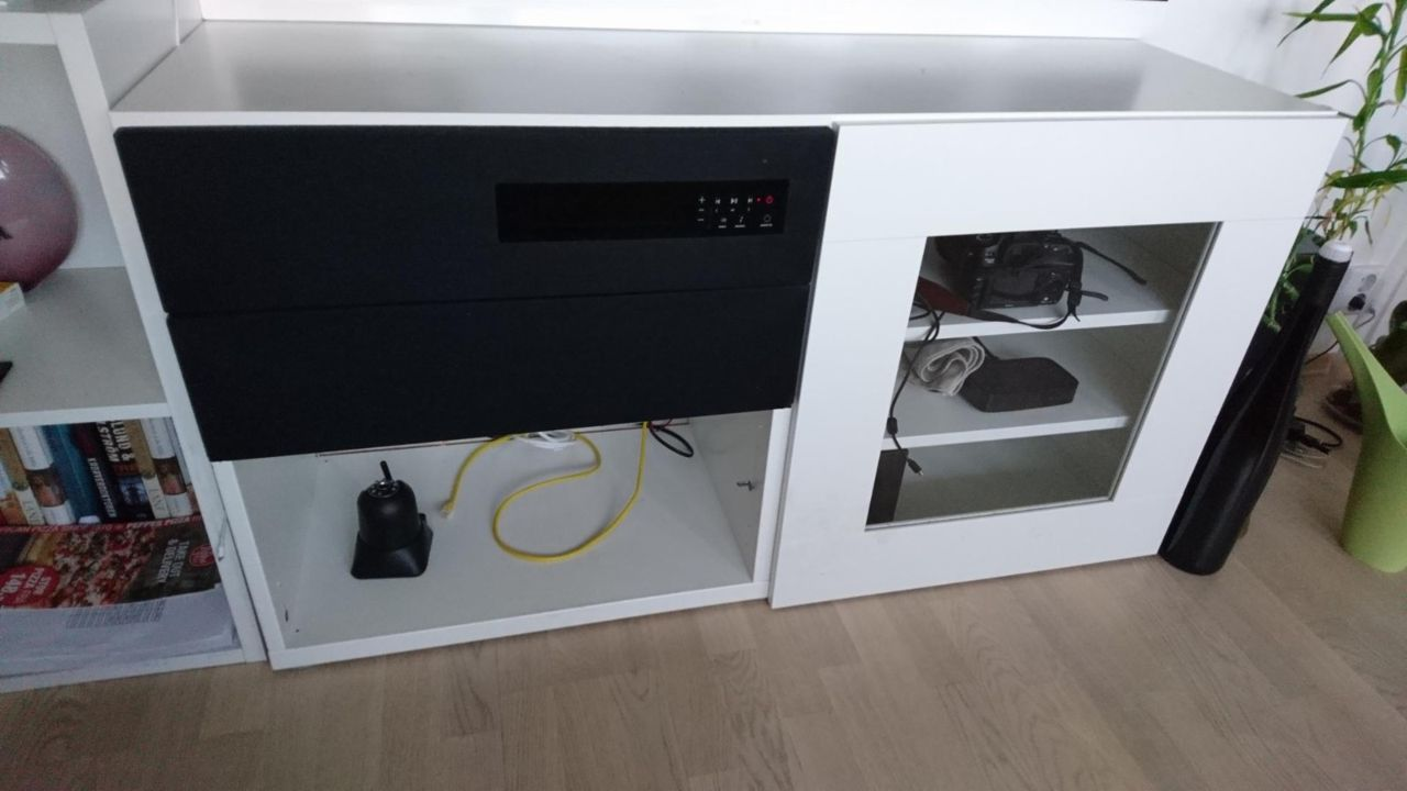 Stilig Møbler TV benk og Ikea UPPLEVA lydsystem | FINN.no NJ-27