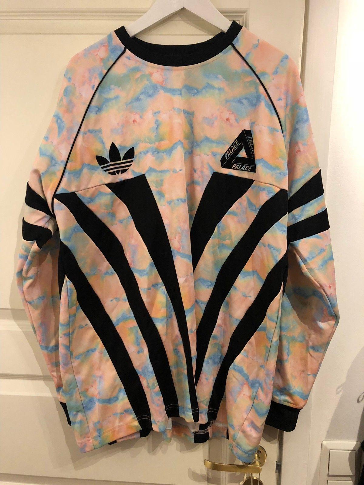 100% authentic e16d0 9c514 Adidas X Palace Multicolor Football Jersey   FINN.no