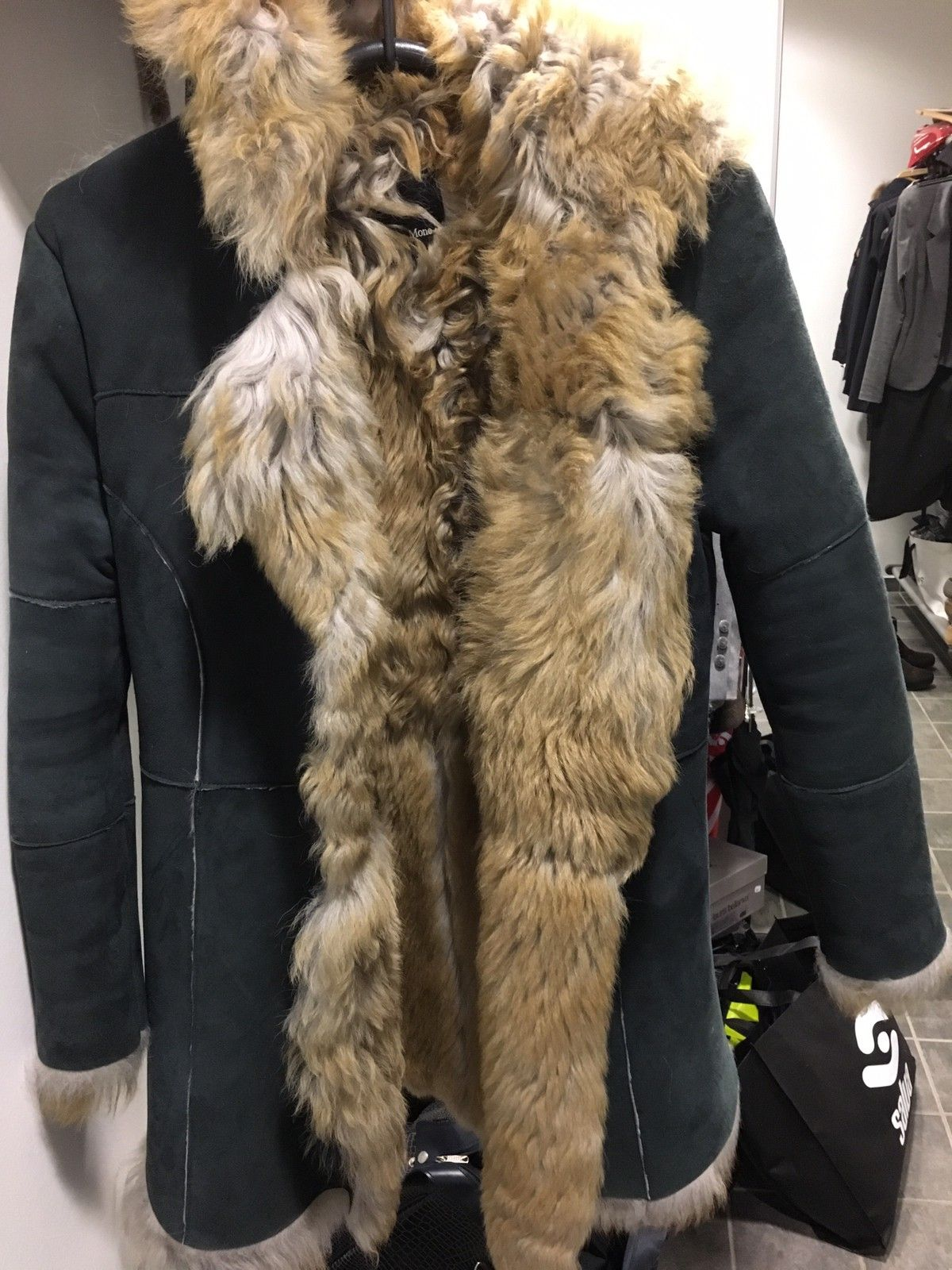 13ced2a2 Semsket jakke fra Ane Mone med pels | FINN.no