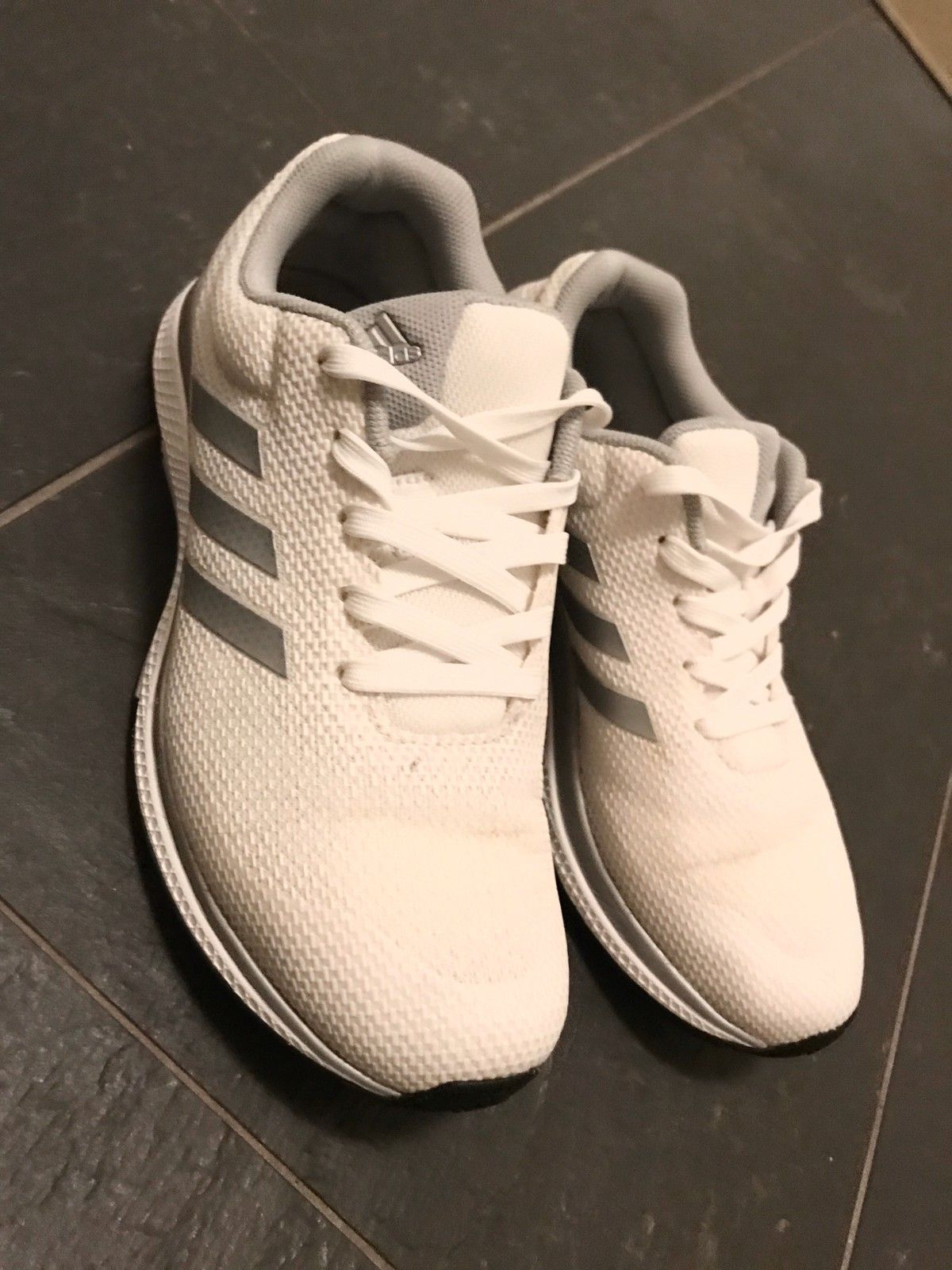 Adidas sneakers joggesko str.36 23 | FINN.no