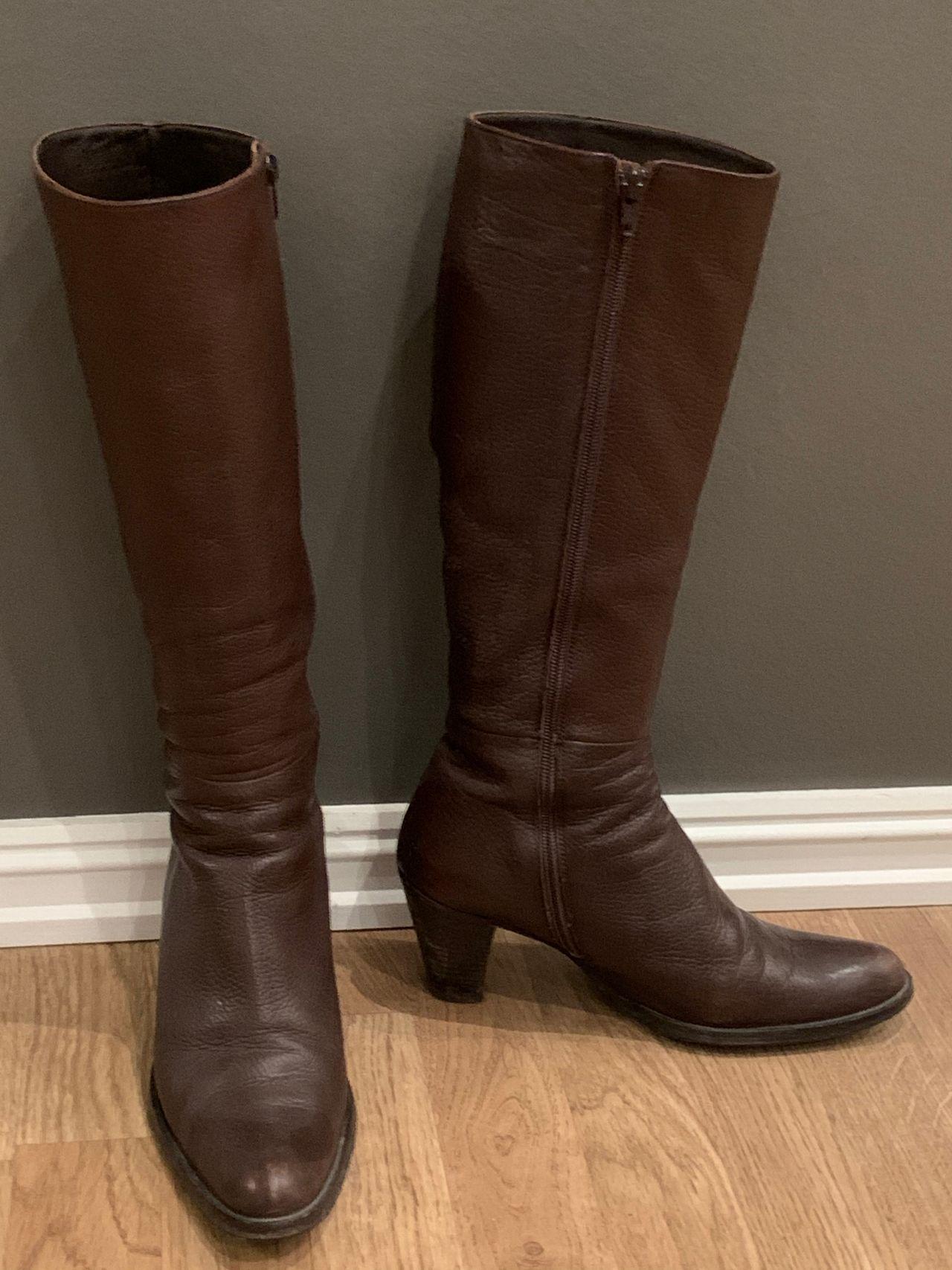 Mørkebrune boots, str 39