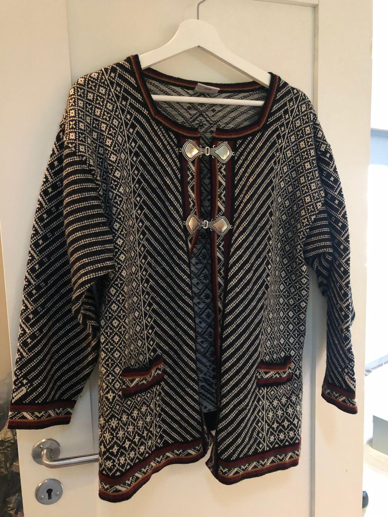 Oda jakke kofte (M stor i størrelsen) | FINN.no